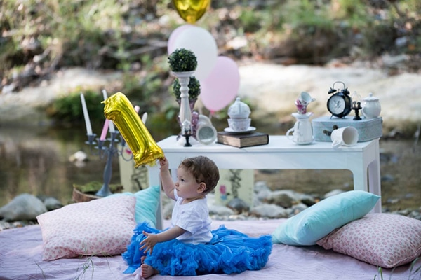 first-birthday-theme-alice-wonderland_02