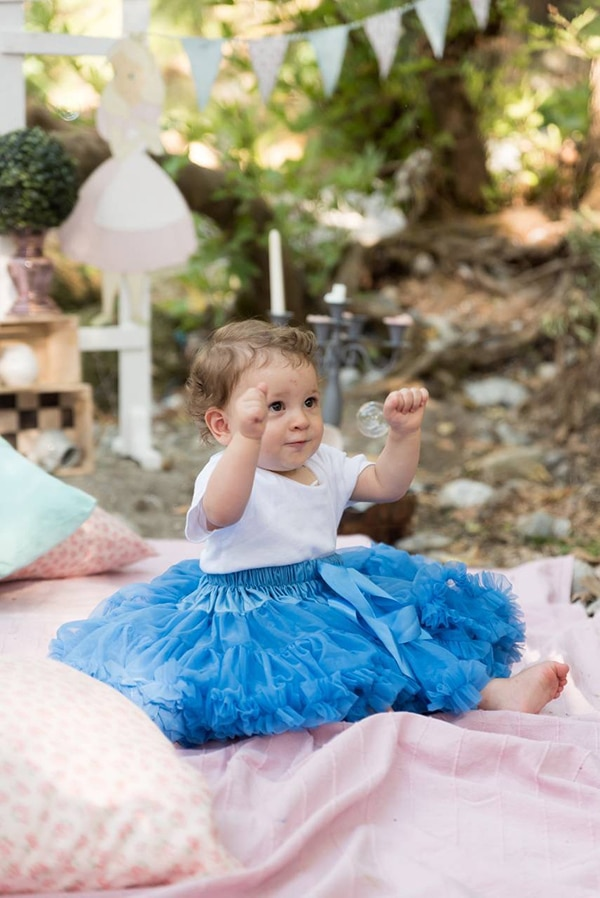 first-birthday-theme-alice-wonderland_03x
