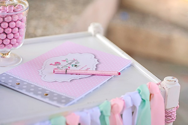 beautiful-ideas-girl-baptism-little-bird-theme_05