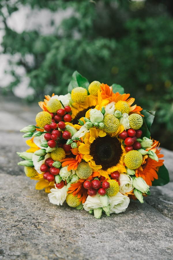 beautiful-summer-wedding-vivid-colours-rustic-details_22