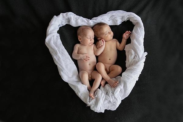 adorable-photoshoot-newborn-twins_06