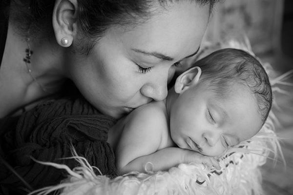 adorable-photoshoot-newborn-twins_09x