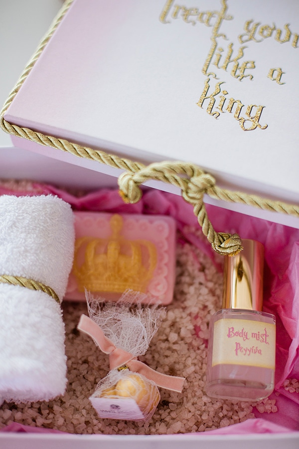 baptism-ideas-pink-gold-hues_03