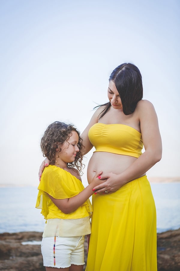 beautiful-prenatal-photoshoot-beach_08