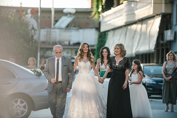 romantic-classic-wedding-beige-white-hues_19