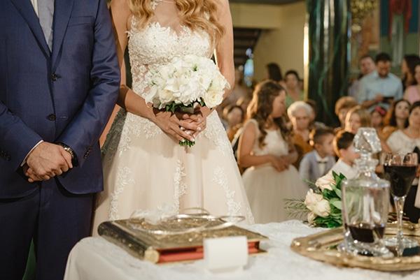 romantic-classic-wedding-beige-white-hues_22