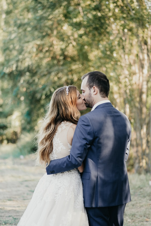 romantic-classic-wedding-beige-white-hues_24