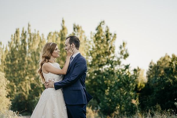 romantic-classic-wedding-beige-white-hues_25