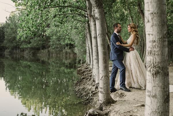 romantic-classic-wedding-beige-white-hues_26