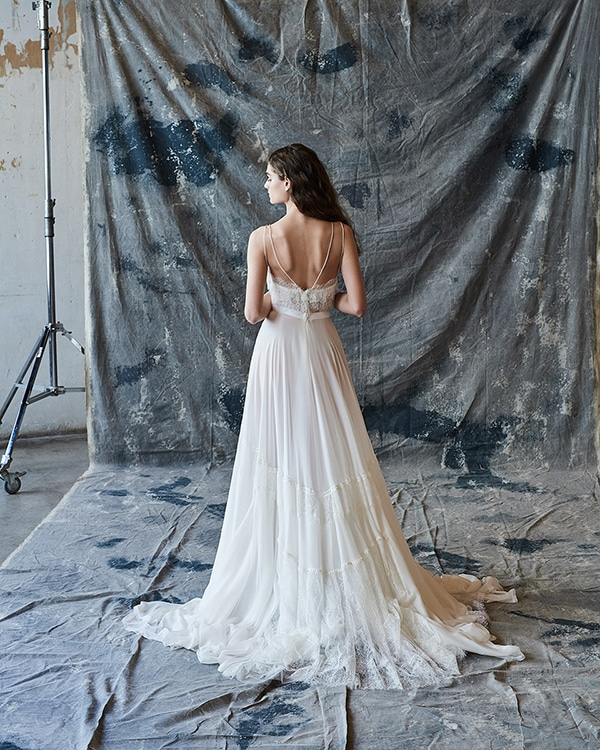 ethereal-feminine-wedding-dresses-you-will-love_15