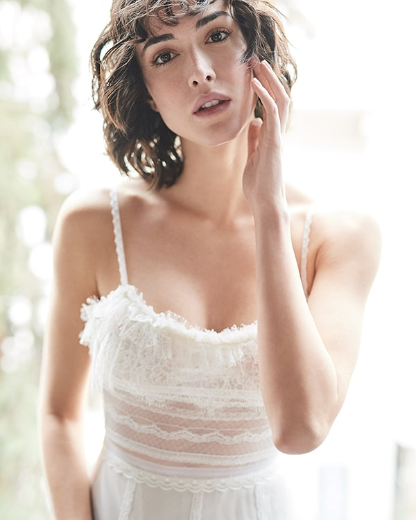 ethereal-feminine-wedding-dresses-you-will-love_24