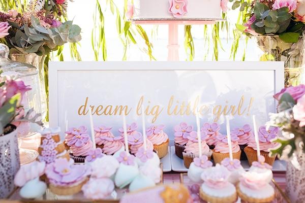 fairytale-baptism-decoration-ideas-girl-flowers_04x
