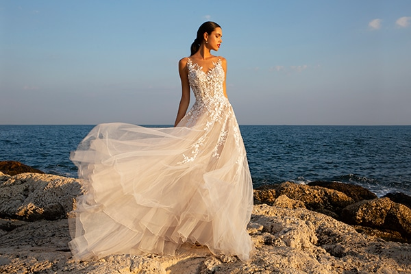wonderful-wedding-gowns-unforgettable-look_10