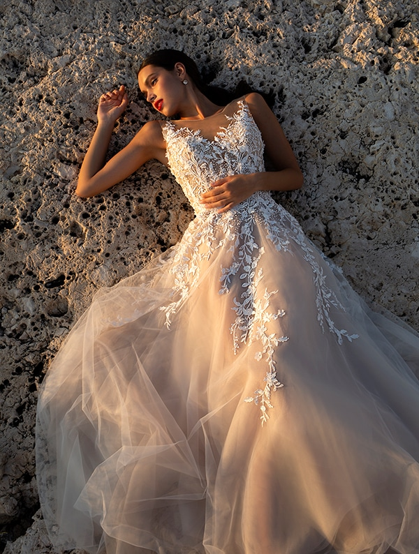 wonderful-wedding-gowns-unforgettable-look_11