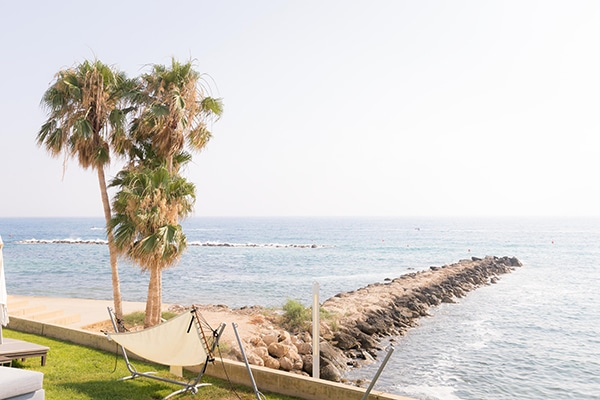 summer-wedding-baby-breath-sea-view-paphos_05