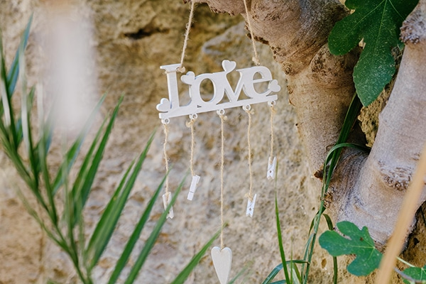 beautiful-romantic-wedding-paphos-white-flowers_09