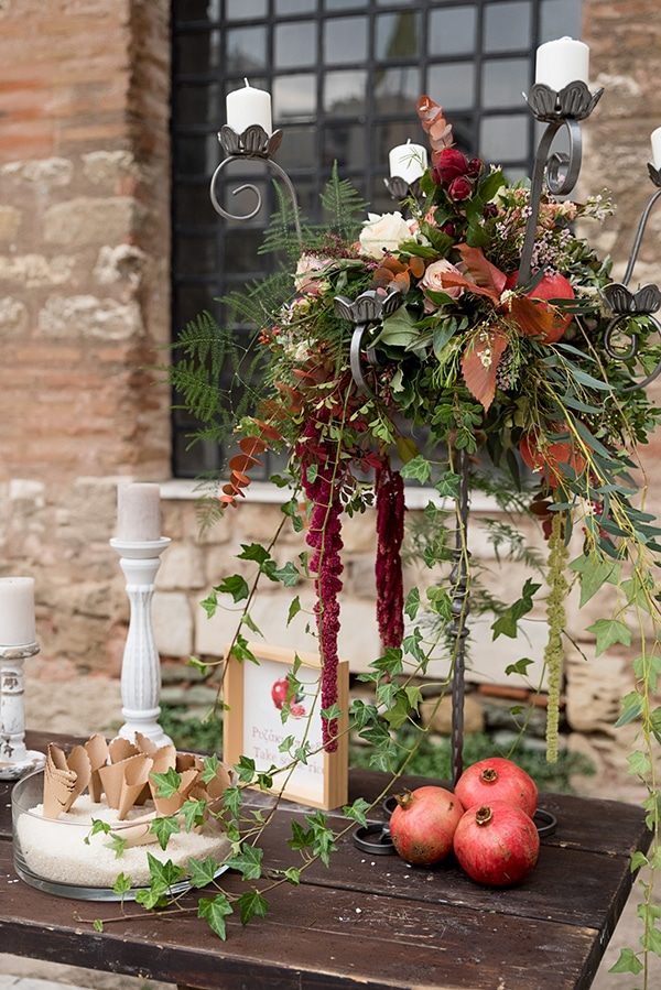 boho-fall-wedding-stunning-decoration-pomegranate_09
