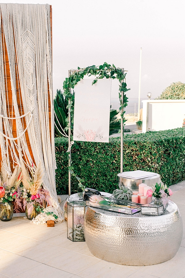 dreamy-girly-baptism-ideas-pampas-grass-macrame_11