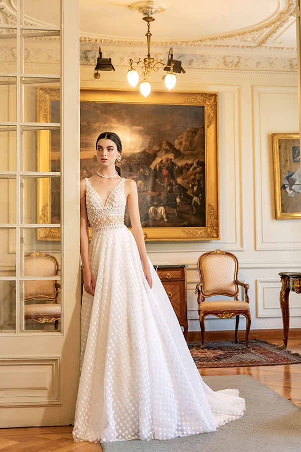 luxurious-wedding-dresses-aristocratic-bridal-look-costantino_02X