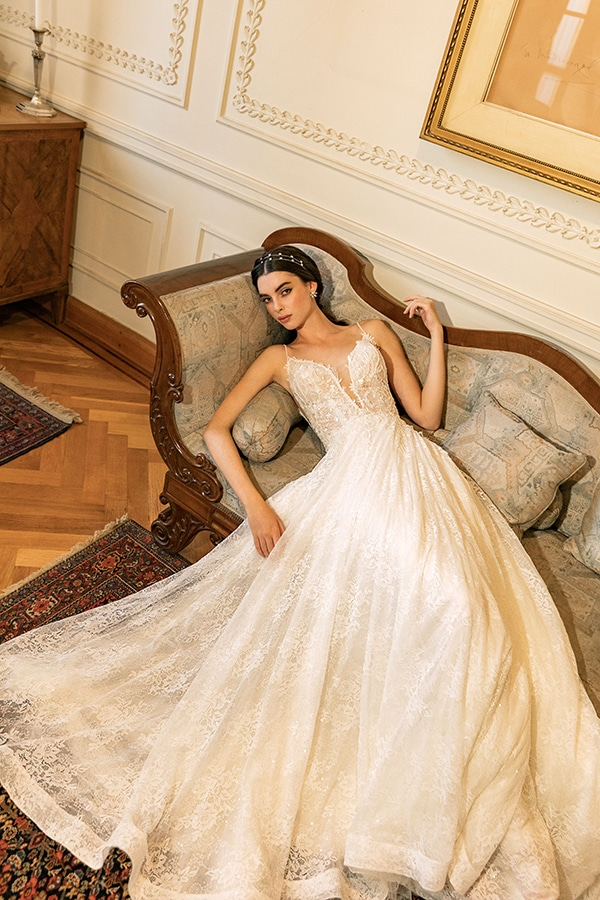 luxurious-wedding-dresses-aristocratic-bridal-look-costantino_03