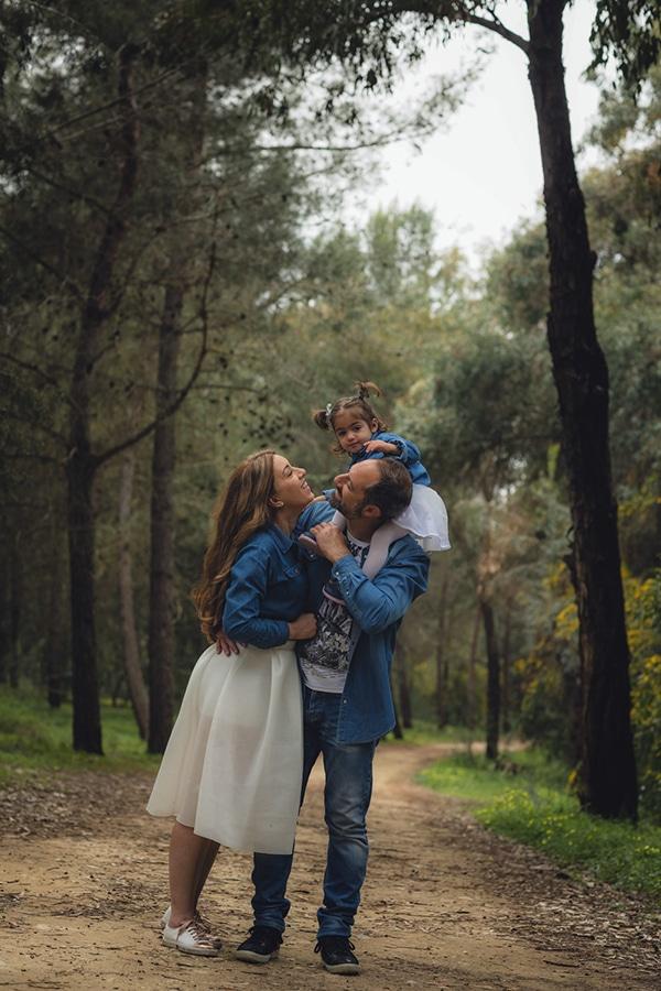 cute-family-shoot-green-park-athalassas-nicosia_01