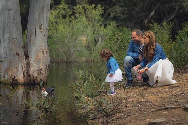 cute-family-shoot-green-park-athalassas-nicosia_01x