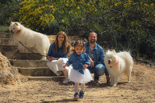 cute-family-shoot-green-park-athalassas-nicosia_04x