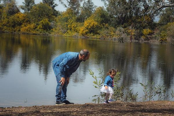 cute-family-shoot-green-park-athalassas-nicosia_08x