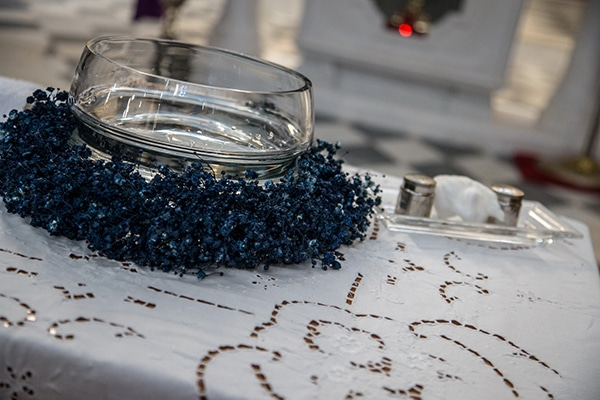 decoration-ideas-boy-baptism-out-of-space-blue-silver-hues_03