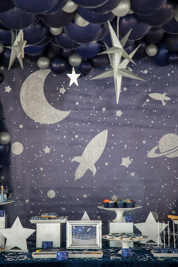 decoration-ideas-boy-baptism-out-of-space-blue-silver-hues_13