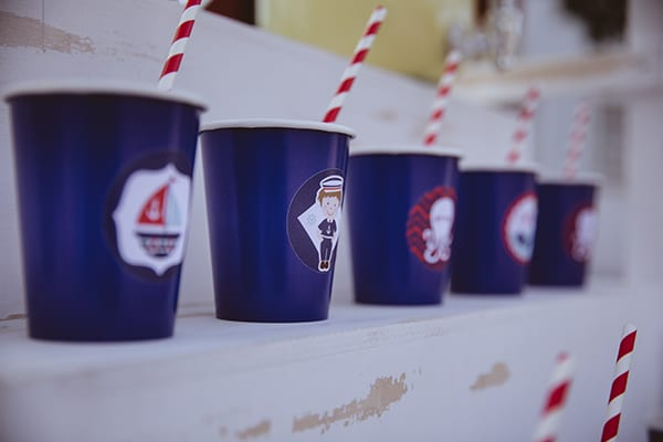 decoration-ideas-navy-theme-blue-red-color-hues_14