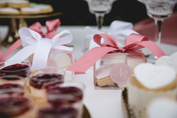 dreamy-wedding-decoration-pink-gold-hues_04