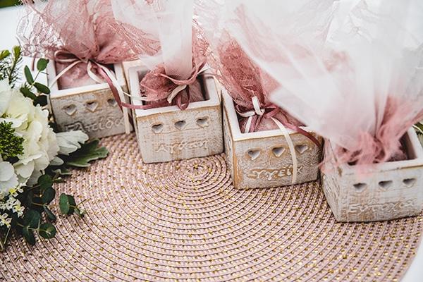 dreamy-wedding-decoration-pink-gold-hues_13