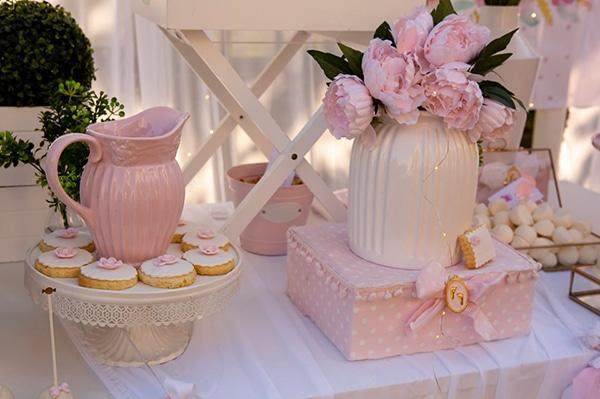 fairytale-girly-baptism-decoration-swan_07