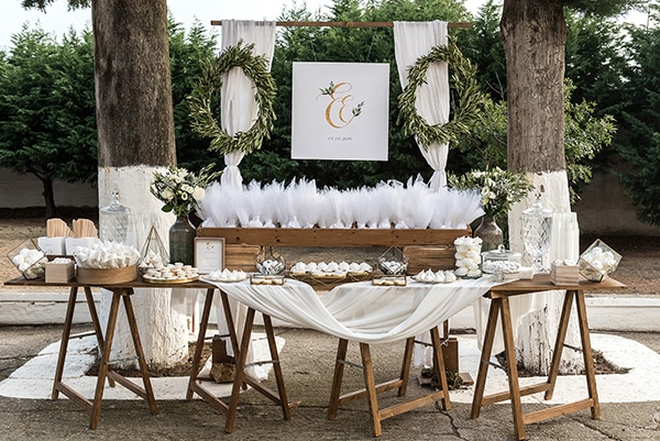 romantic-fall-wedding-serres-white-flowers-olive-branches_15x