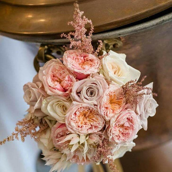 beautiful-decoration-ideas-baptism-pink-gold-details_03