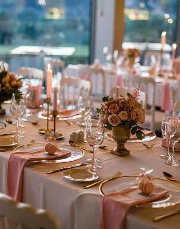 beautiful-decoration-ideas-baptism-pink-gold-details_04