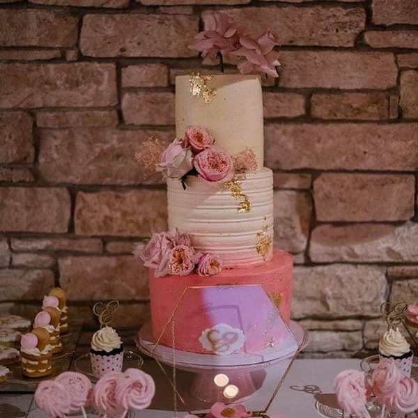 beautiful-decoration-ideas-baptism-pink-gold-details_06