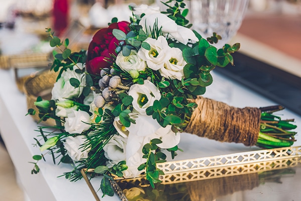 beautiful-winter-wedding-thessaloniki-elegant-details-bordo-gold-hues_15