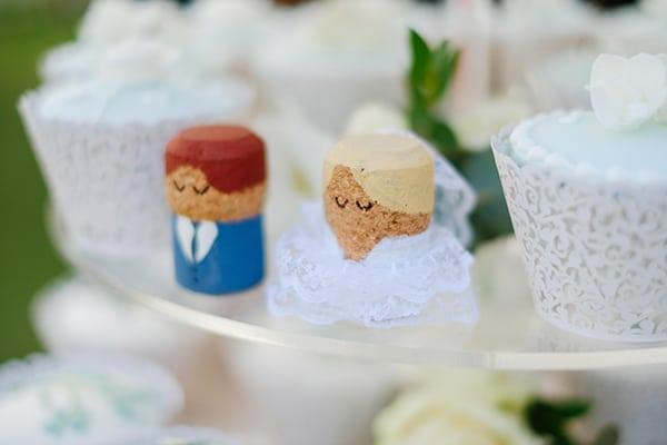 romantic-wedding-wooden-details-soft-pink-flowers_07