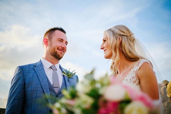 romantic-wedding-wooden-details-soft-pink-flowers_16