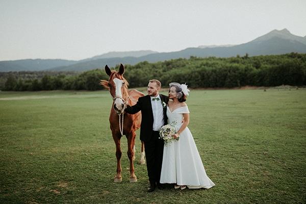 romantic-august-wedding-lake-plastira_05