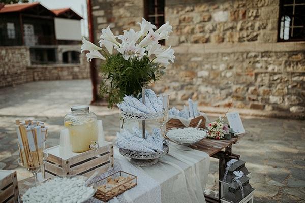 romantic-august-wedding-lake-plastira_16