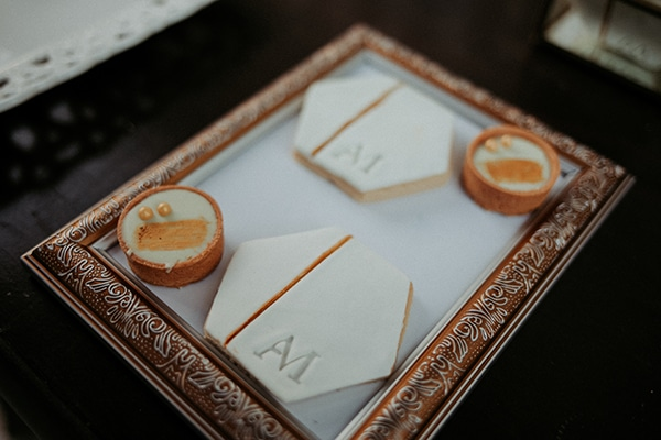 romantic-august-wedding-lake-plastira_31