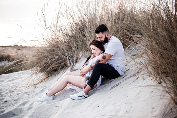 stylish-beach-prenatal-shoot-_06