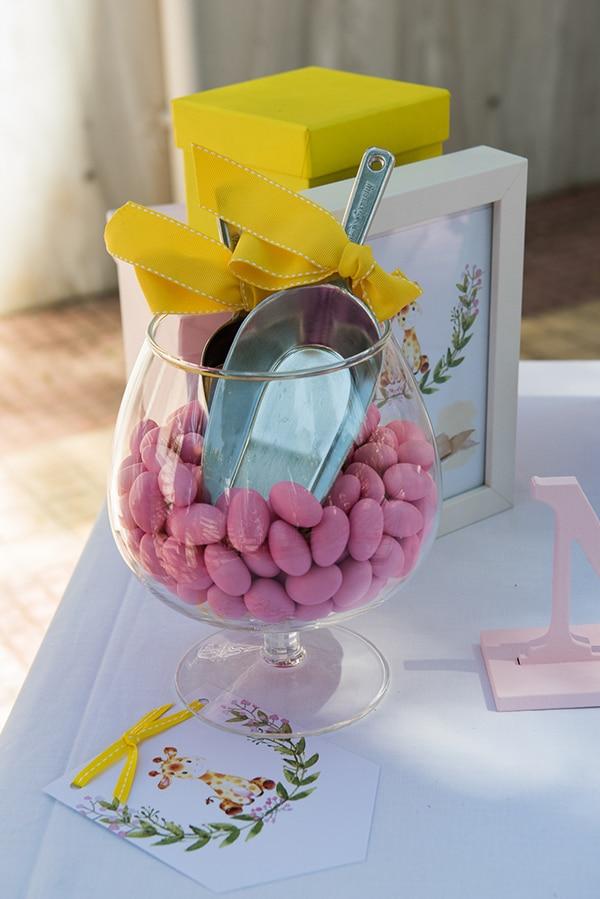 summer-girl-baptism-kifisia-pink-white-hues_09