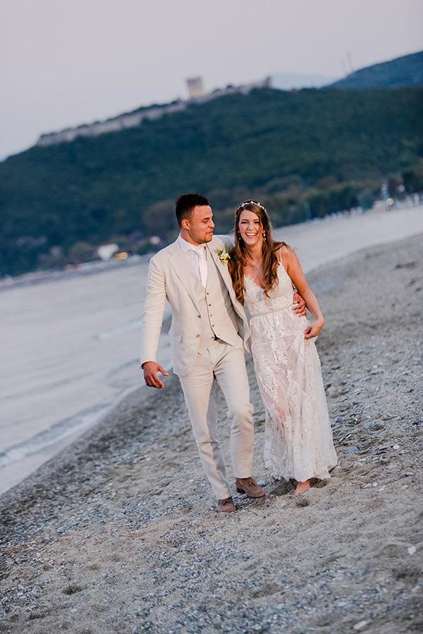 wonderful-beach-wedding-magical-view_02x