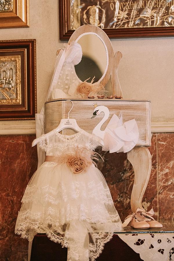 romantic-girl-baptism-theme-swan-_06