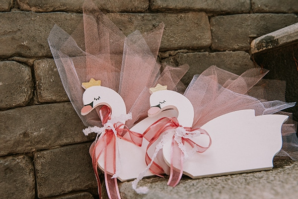 romantic-girl-baptism-theme-swan-_17
