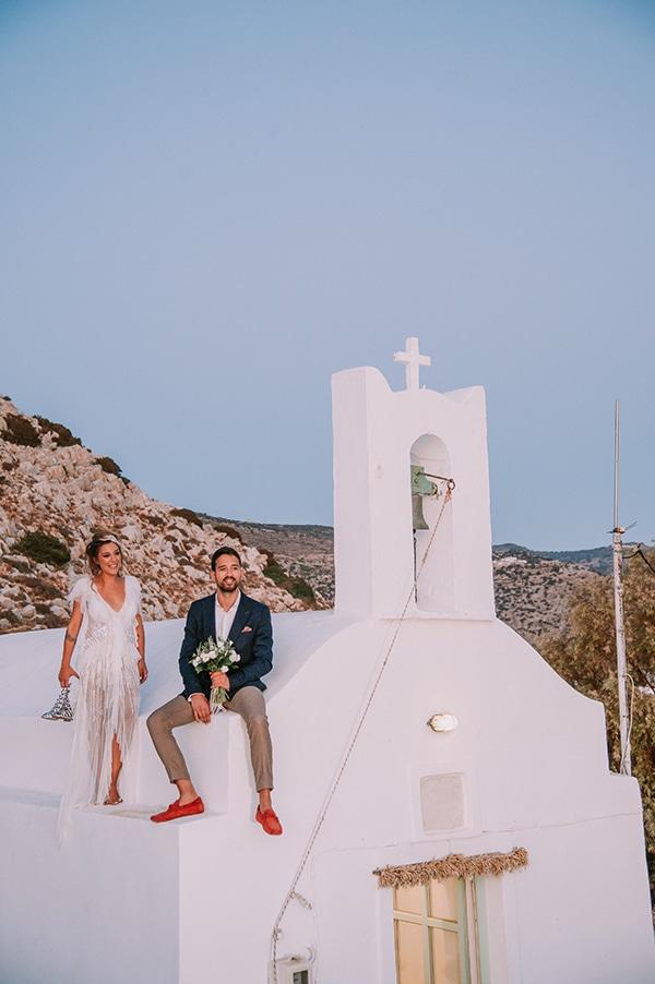 summer-wedding-sifnos-romantic-atmosphere-fairylights-_01x